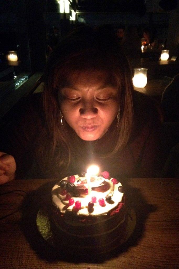 birthday2015_a_cakeblow